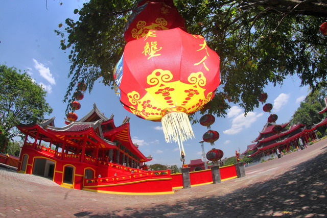 Pelataran Kuil Sam Phoo Kong (Dok.pri)