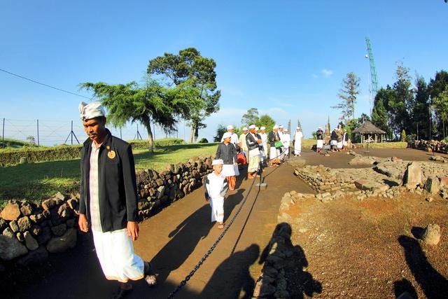 Candi ceto di Jawa tengah adalah candi hindu yang dibangun pada masa majaphit berkuasa, kini menjadi tujuan wisata dan ibadah umat hindu (dok.pri).